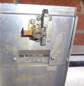 METAL ROUSSEAU LOCK HAS TO PIECES